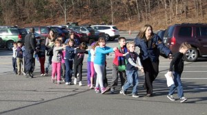 ht-newton-bee-school-shooting-nt-121214-wg-jpg